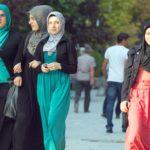 Hijab, l'abbigliamento delle donne musulmane: islamico o culturale? (Hujjatulislam S. M. Rizvi)