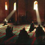 Il pericolo di socializzare la religione